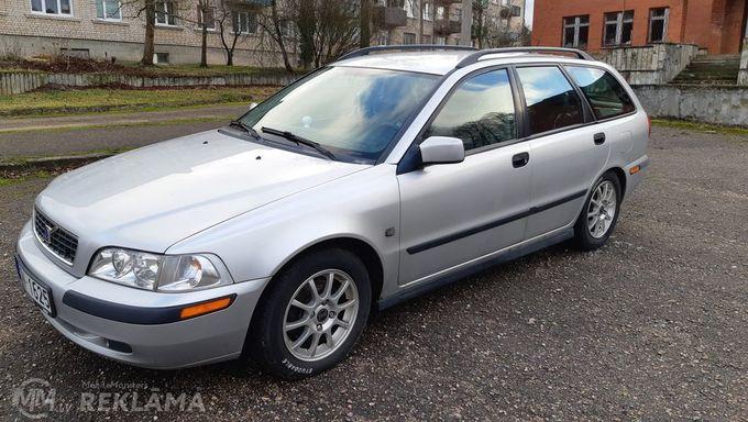 Volvo V40, 2003/Augusts, 199 800 km, 1.8 l.. - MM.LV