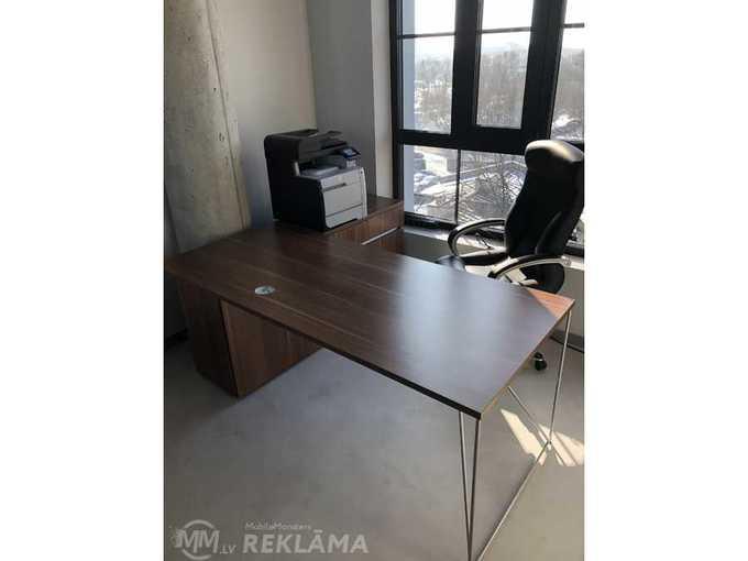 Biroja galds - MM.LV