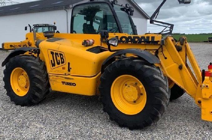 Traktors jcb jcb 540-70, 2000 g., 80 zs, Turbo. - MM.LV