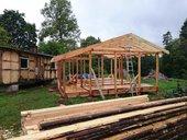 Brigāde veic celtniecības darbus - MM.LV